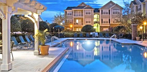 Free Private Housing benefit with pool and more amenities in Florida travel nursing jobs