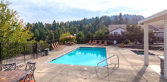 Enjoy the top deck pool with Free Private Housing benefit in Oregon travel nurse jobs