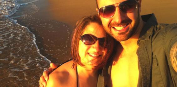 Travel nurse Tara and her husband in Maui during travel nursing in Hawaii