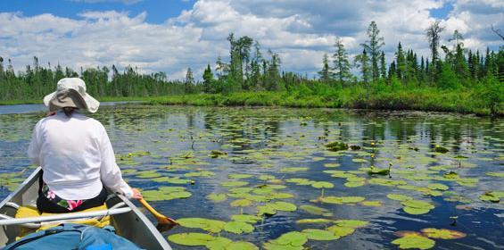 Yakima, Washington paddling on lake